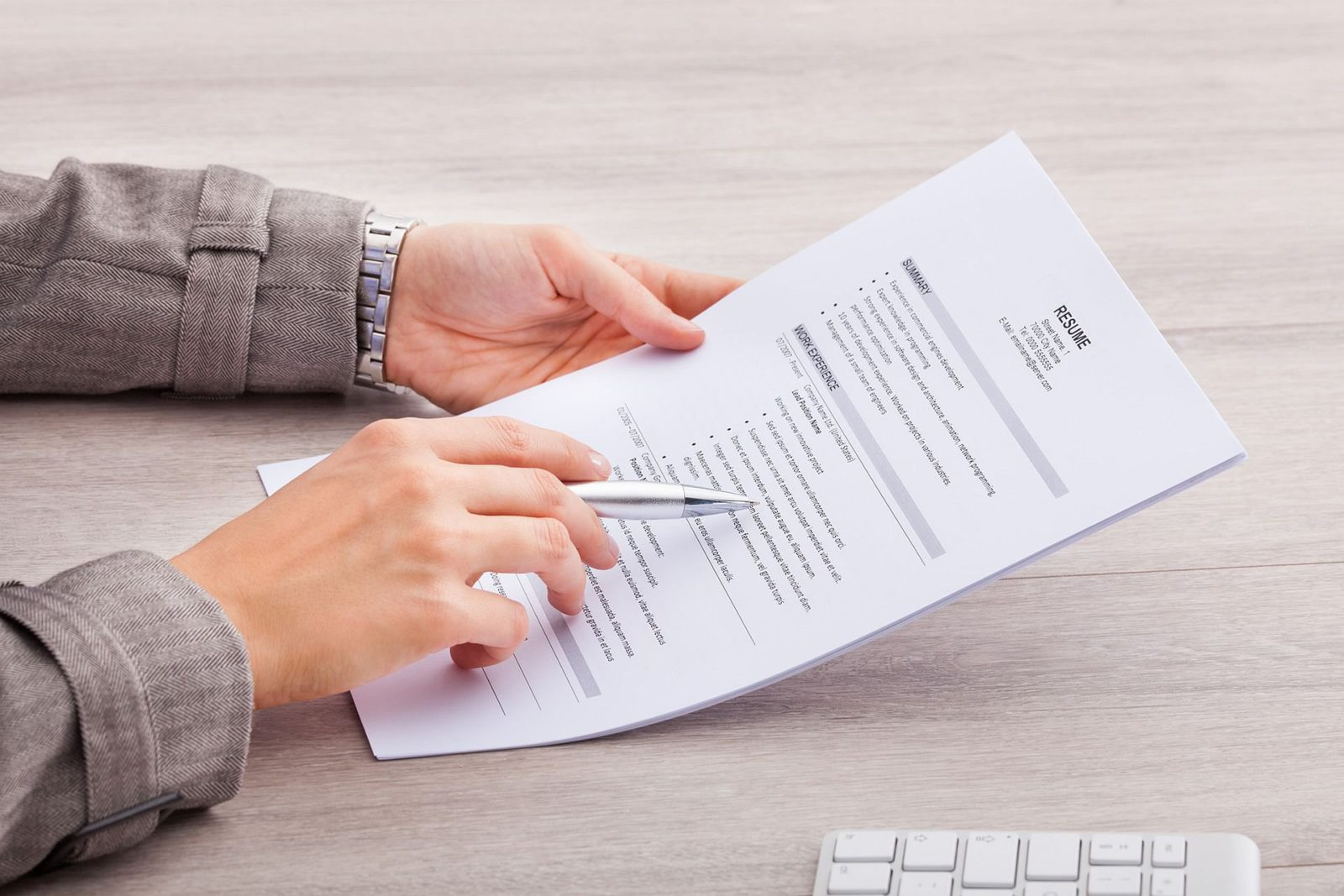 14 Professional Resume Tips to Land Your Next Job Interview