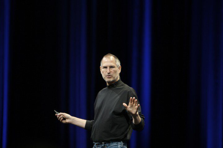Deliver a Presentation like Steve Jobs: 9 tips on how to do it