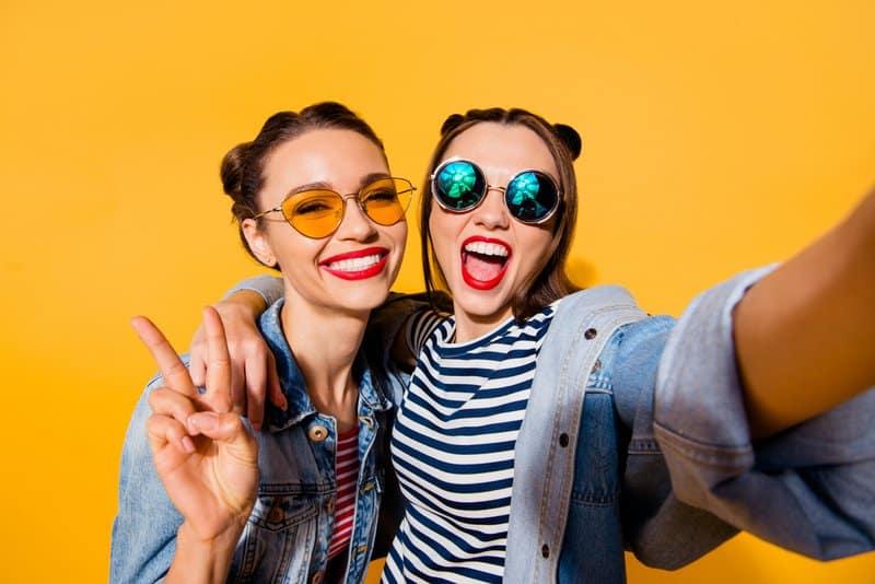 Millennials clicking a selfie
