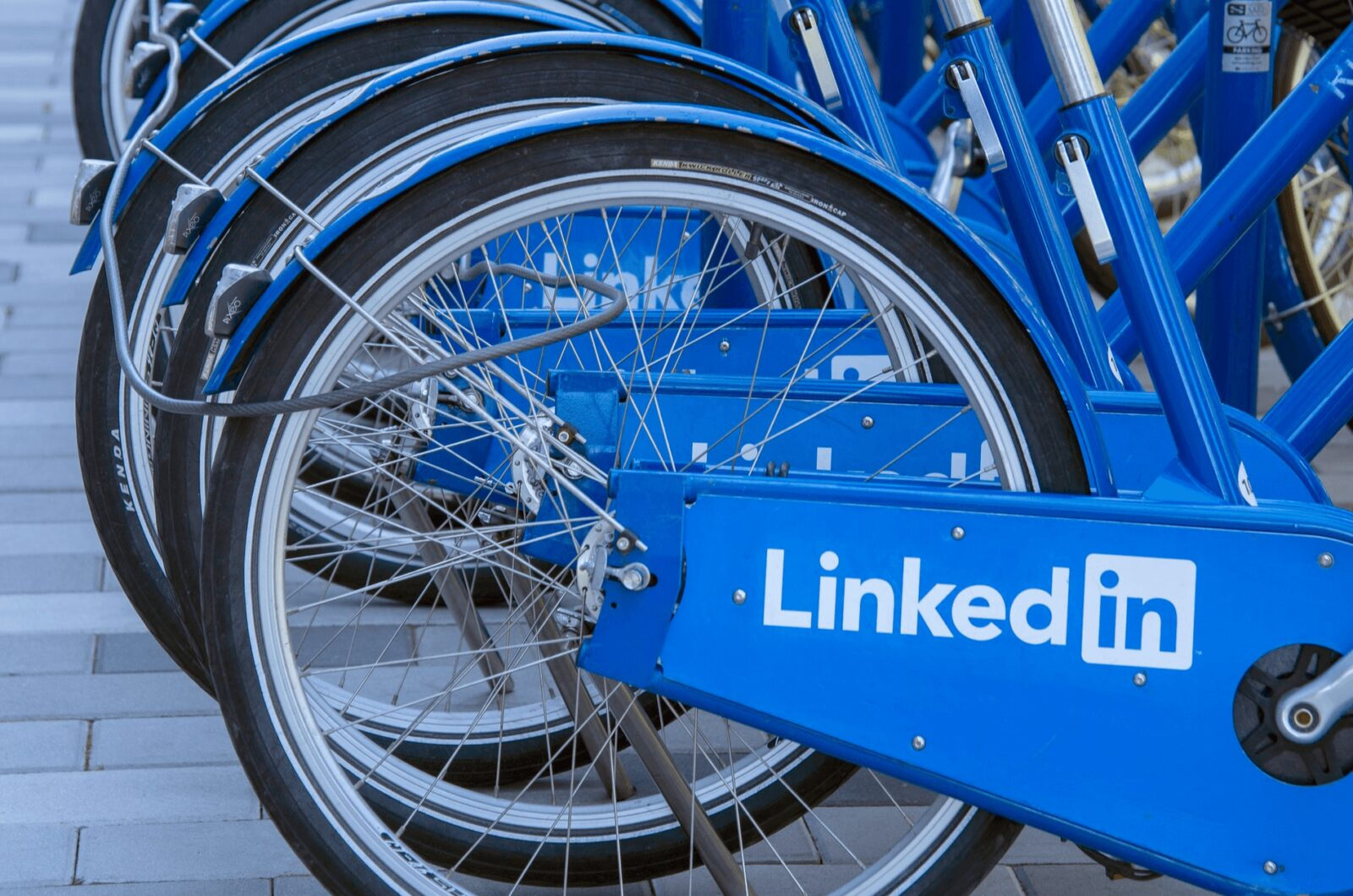 How and Why You Should Customize LinkedIn URL
