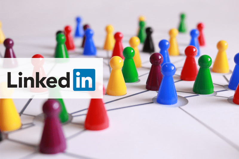 how to tag someone on LinkedIn concept